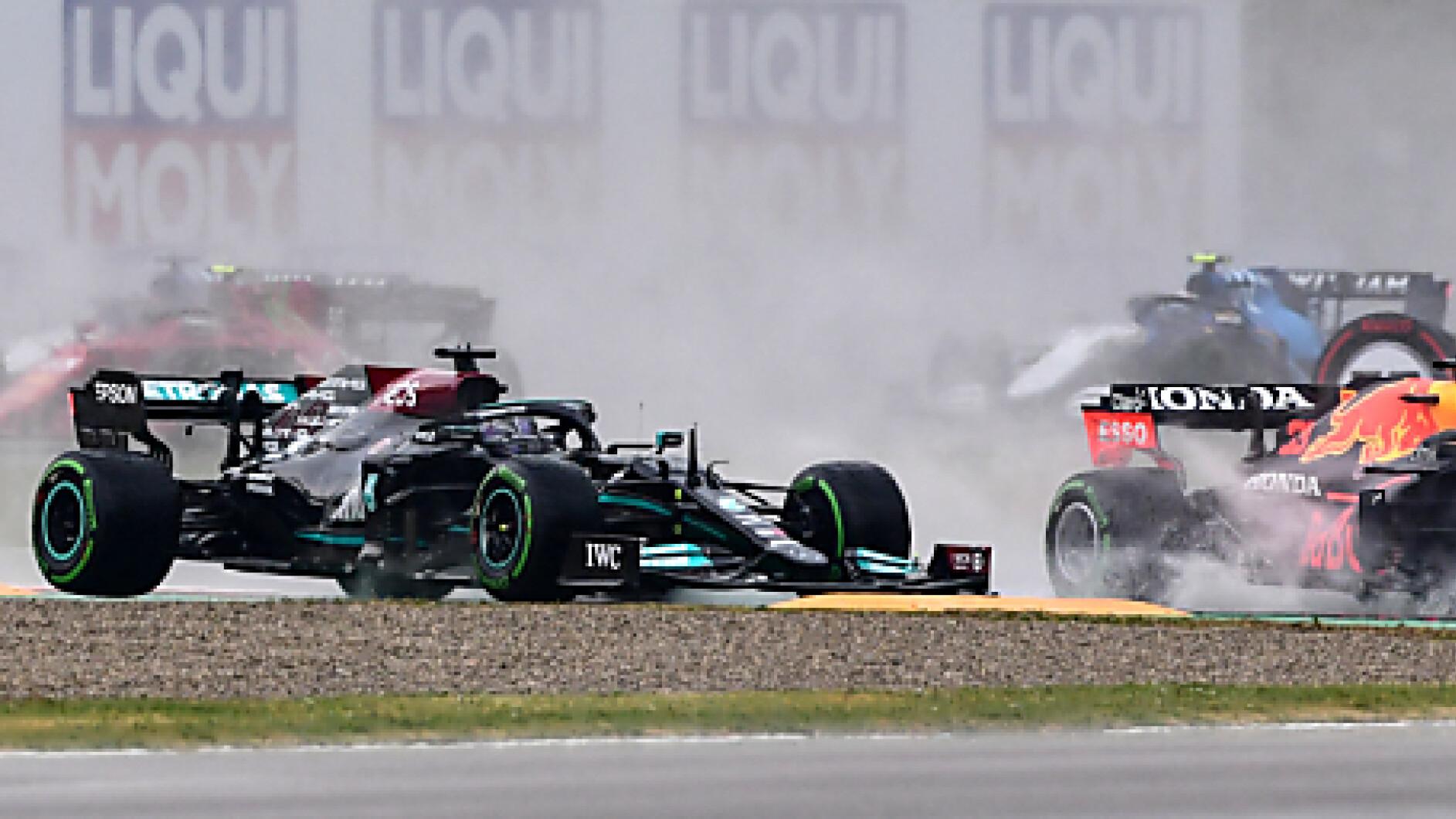 Formel-1-Chaotischer-Imola-GP-nach-schwerem-Unfall-unterbrochen