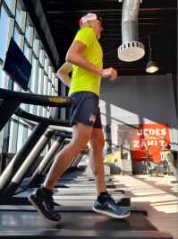 Martin Trimmel Ultraläufer Rückwärtslauf - Verkehrte Weltrekordjagd für Großhöfleiner Trimmel