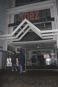 MEZ Mattersburg Einkaufszentrum Winter nach Wasserrohrbruch Sperre Symbolbild