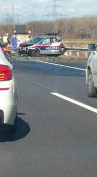 Auffahrunfall: Polizeiwagen gerammt! Hornstein