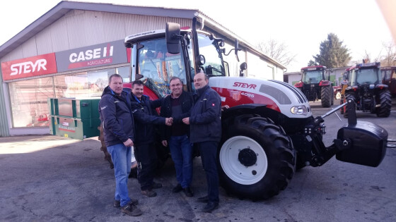 440_0008_7912232_owz34cari_pw_kukmirn_traktor.jpg