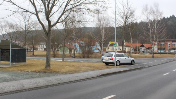 440_0008_6832878_owz07cari_parkplatz_ollersdorf_leer.jpg