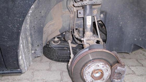 Reifen vom PKW gestohlen