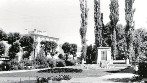 1964 — Kriegerdenkmal im Stadtpark
