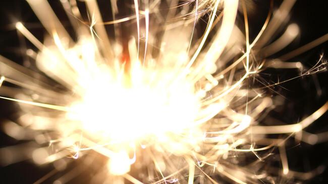 Symbolbild Feuerwerk Explosion Kracher