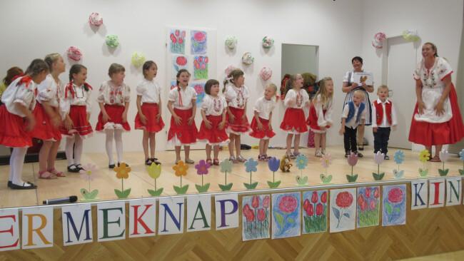 440_0008_6958657_owz26vani_ows_ungarisch_kids_umiz.jpg