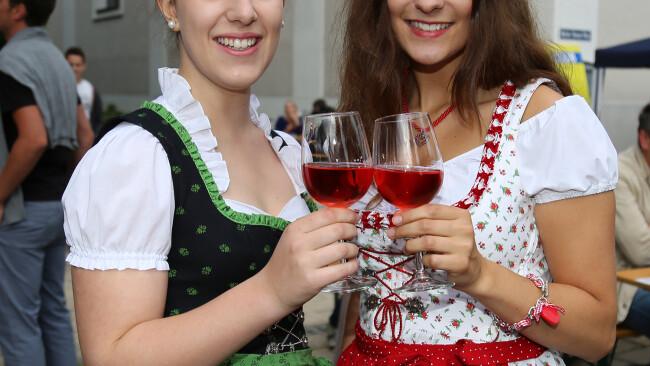 440_0008_7294234_owz25cari_freizeit_winzerfest_jennersdo.jpg