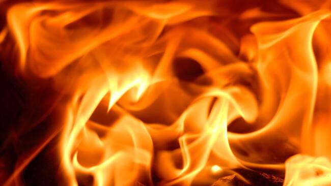 Flammen Feuer Brand Symbolbild