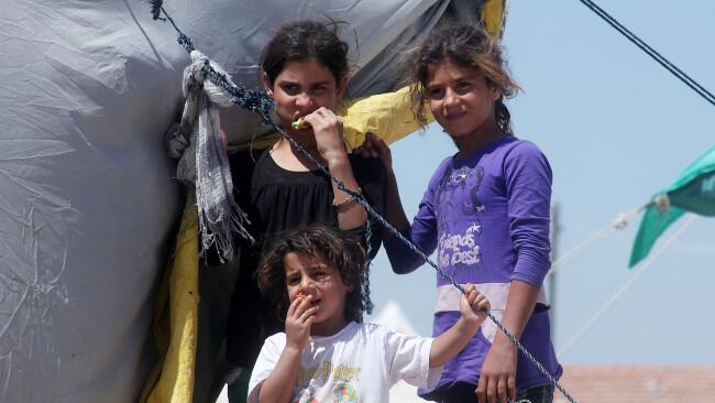 Symbolbild Flüchtlinge Asyl Kinder Kind Asylwerber Asylanten Flüchtlingsheim