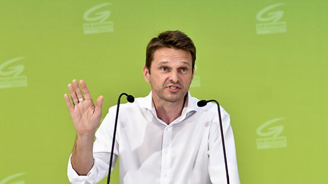 Grünen-Klubobmann Albert Steinhauser besorgt