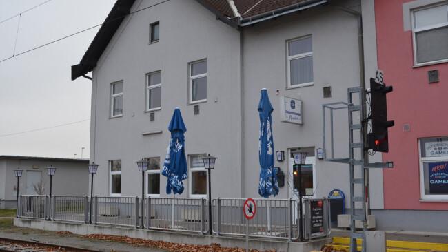Bahnhofsrestaurant Eisenstadt Bahnhof 440_0008_7118394_eis49df_bahnhofsrestaurant.jpg