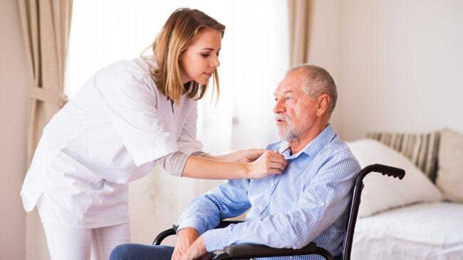 symbolbild pflege Betreuung pflegebedürftige