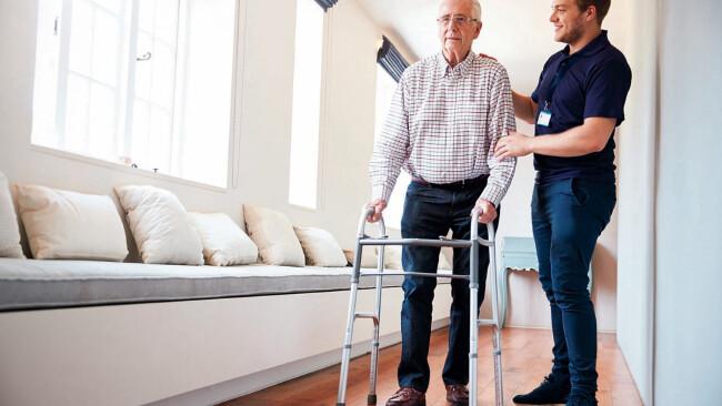 Gehhilfen Rollator Senioren Symbolbild