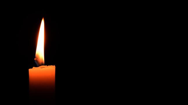 Kerze Todesfall Symbolbild