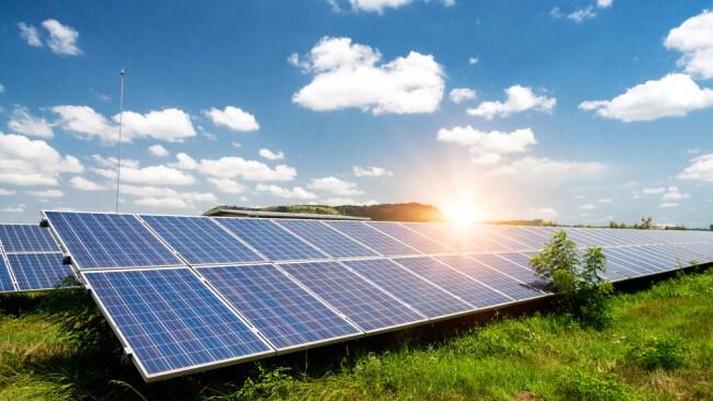 Photovoltaik Sonnenkraft Symbolbild