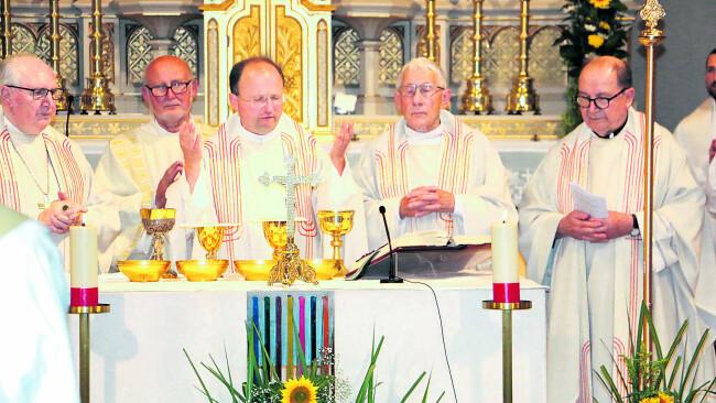 Priesterjubiläum im Doppelpack Josef Schuh