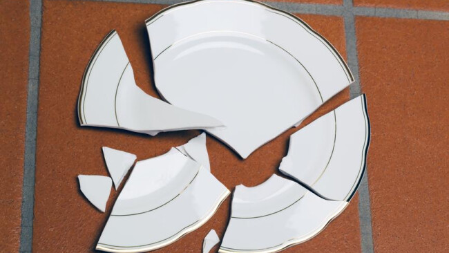 Gastronomie Wirt Gasthaus Wirtesterben Restaurant Zerbrochener Teller