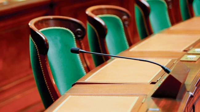 Gemeinderat Gemeinderatssitzung Symbolbild