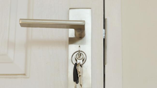 Tür Schlüssel Wohnen Wohnbau Wohnungsbau Wohnungen Wohnung Wohnungsübergabe Symbolbild