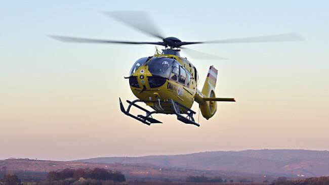 Notarzthubschrauber transportierte Verletzten ab