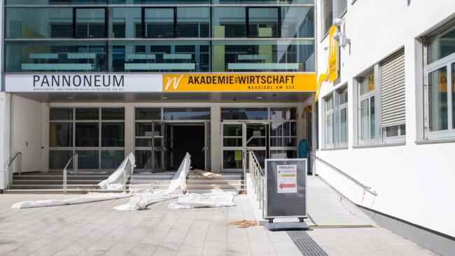 Bundesschulzentrum Neusiedl am See Renovierung läuft, Versicherung zahlt Pfusch: Bund zahlt 2,5 Mio