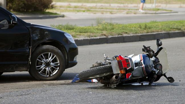 Motorrad Biker Unfall Motorradunfall Mopedunfall Symbolbild