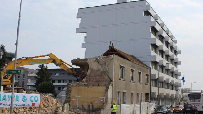 Baubeginn - Bank Burgenland-Umbau in Eisenstadt startet