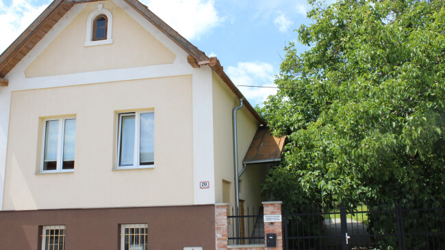 440_0008_7890901_mat29rv_70erhaus.jpg