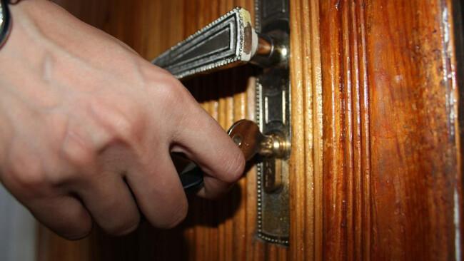 Schlüssel Symbolbild Tür
