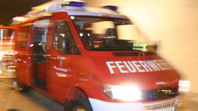 Feuerwehr Florianis FF Eisenstadt Burgenland Brand Feuer Flammen Löschen Symbolbild