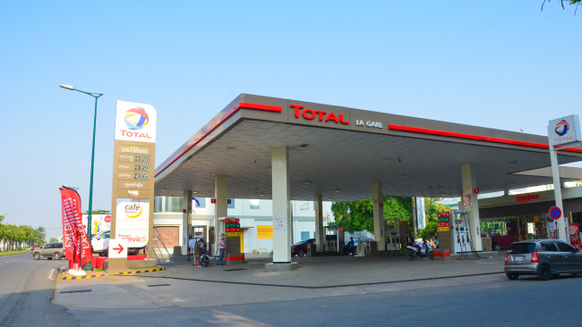 Tankstelle Tanken Symbolbild