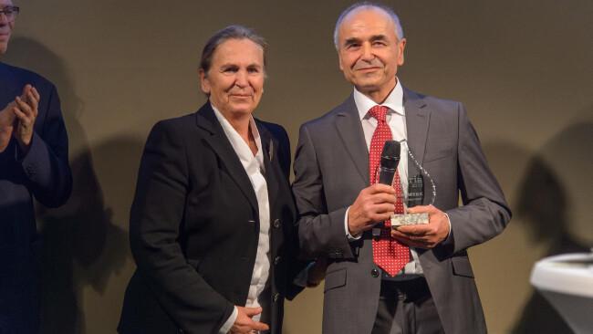 Vinaria Trophys Trophy für Lebenswerk geht an Ernst Triebaumer aus Rust