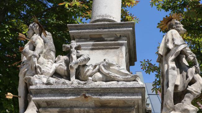 Vandalismus Statue Neusiedl Heilige Rosalia geköpft 440_0008_6996491_nsd31bir_statue_gekoepft.jpg