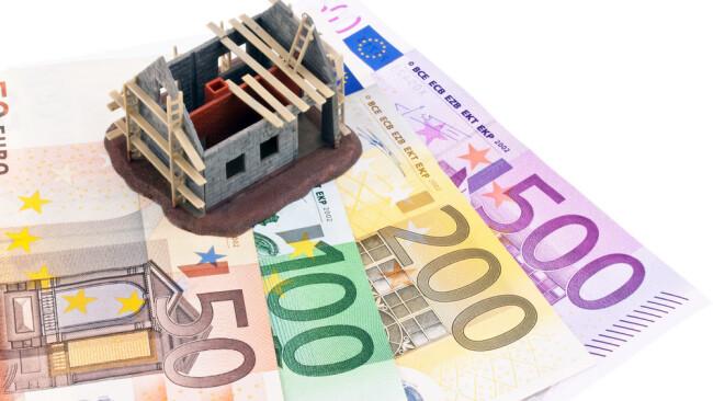 Wohnbauförderung Wohnbau Hausbau Haus Geld Sanierung Symbolbild