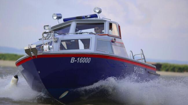 Polizei Seenot Neusiedler See Polizeiboot