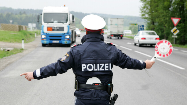 Polizei Kontrolle Symbolbild