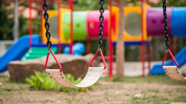 Kinderspielplatz Spielplatz Symbolbild