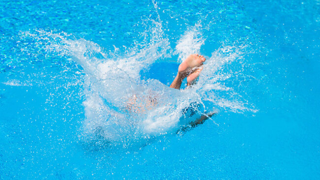 Symbolbild Pool Unfall
