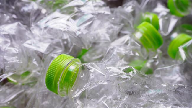 Symbolbild Plastikflaschen PET Flaschen