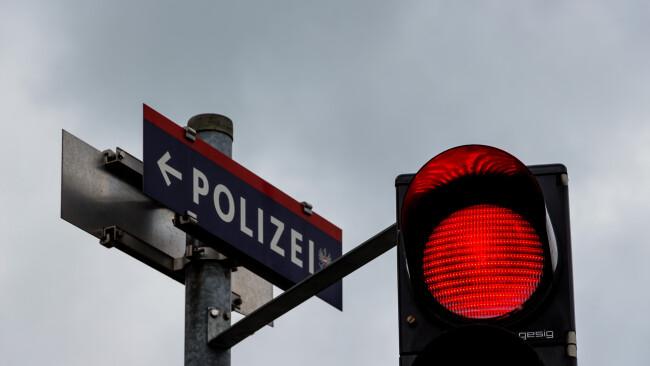 Polizei Ampel Symbolbild