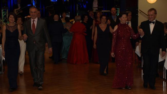 Neufeld Gemeinderat tanzte