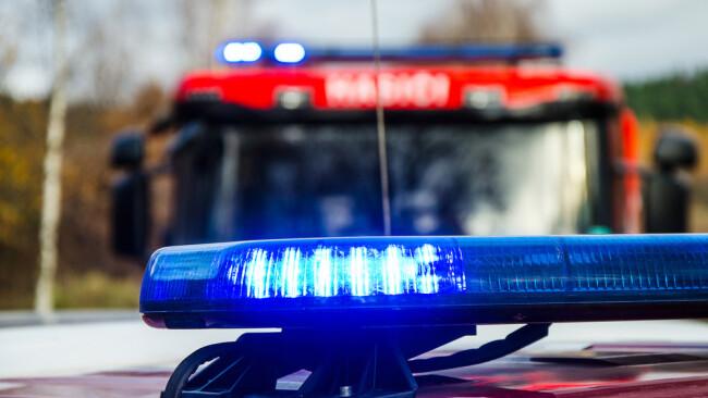 Feuerwehr Polizei Einsatz Symbolbild