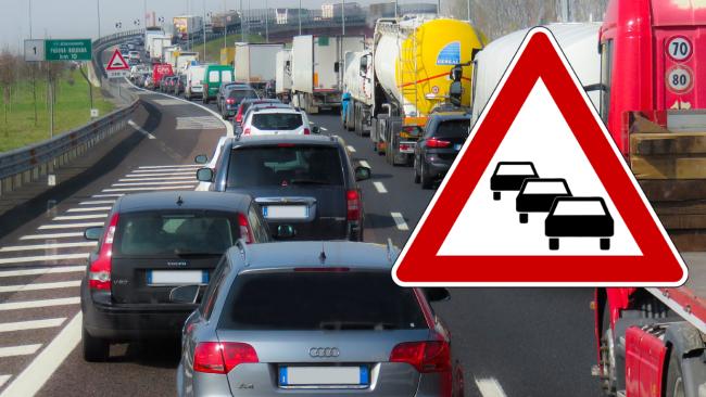 Verkehr Verkehrsinfo Stau Symbolbild