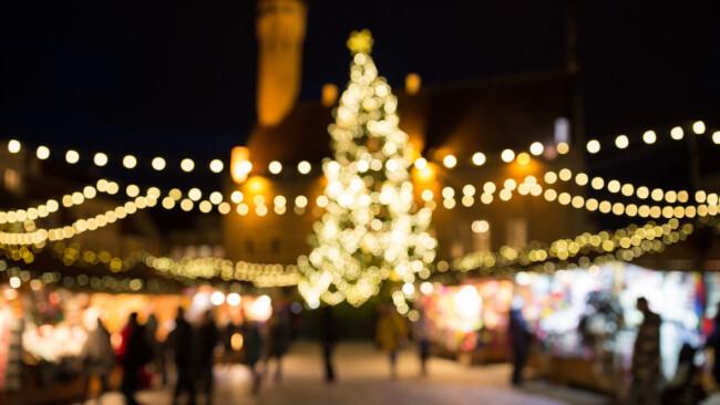 Adventmarkt Christkindlmarkt Weihnachten Symbolbild