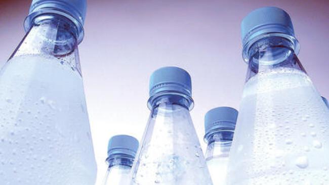 Mineralwasserflaschen - mineral water bottles Mineralwasserflaschen [ (c) www.BilderBox.com, Erwin Wodicka, Siedlerzeile 3, A-4062 Thening, Tel. + 43 676 5103678.Verwendung nur gegen HONORAR, BELEG,URHEBERVERMERK und den AGBs auf bilderbox.com](in an im a