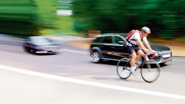 Radfahrer Radler Schnellstraße Geschwindigkeit Raser S31