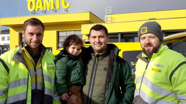 Kleinkind befreit Mattersburg ÖAMTC-Weihnachtseinsatz: Drei Gelbe Engel für Philipp