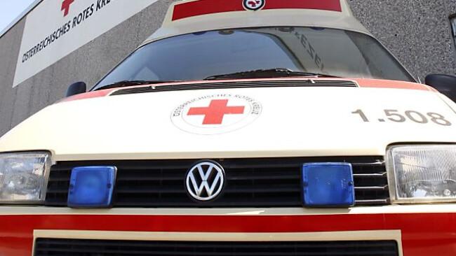Die Rettung brachte den Verletzten ins Spital