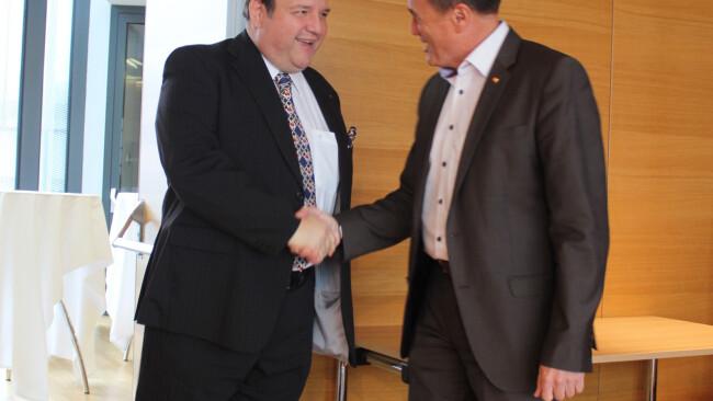 Gerald Pichowetz und Kulturlandesrat Helmut Bieler