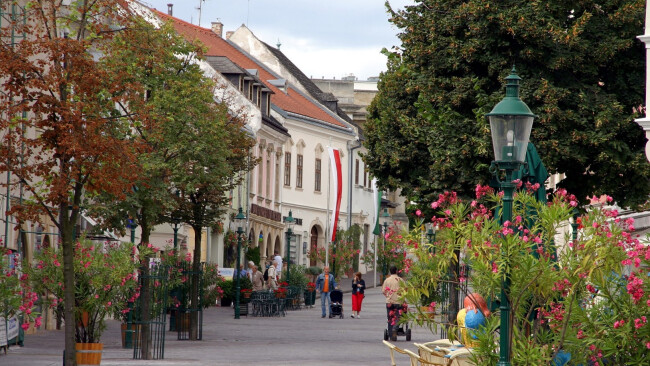 Eisenstadt Innenstadt City Symbolbild Shopping Einkaufen